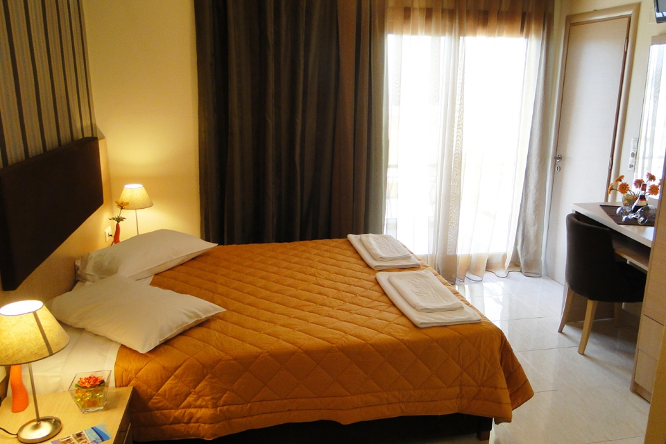 DOUBLE-ROOM-A
